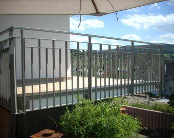 metall gel nder f r den innen und au enbereich in h sbach. Black Bedroom Furniture Sets. Home Design Ideas